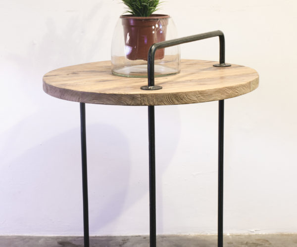 Easy Side Table.